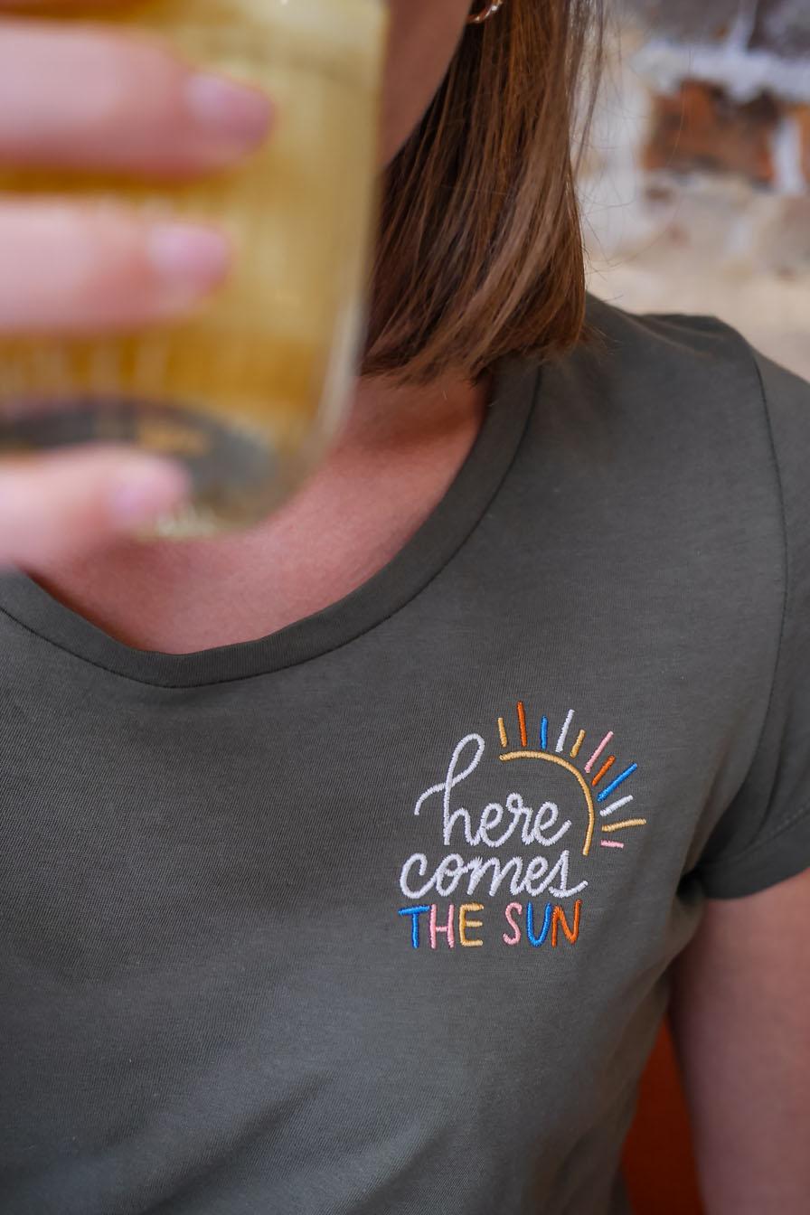 t-shirt brodé paris soleil